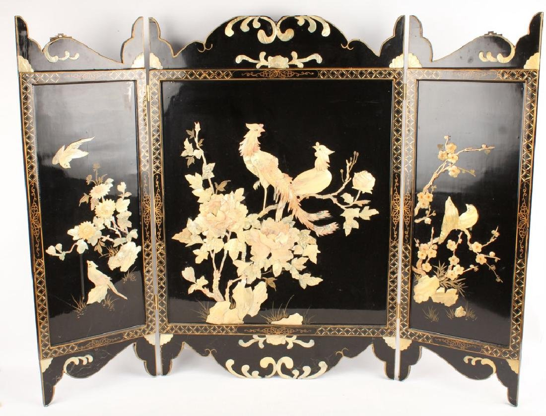 CHINESE WOODEN 3 PANEL SCREEN