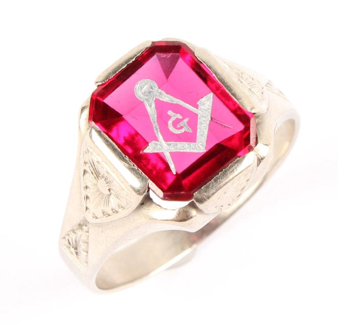 MENS 14K WHITE GOLD & RED SPINEL MASONIC RING