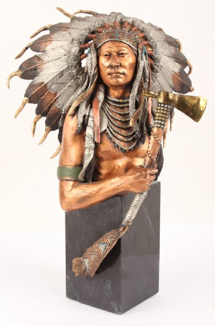 LEGENDS EMINENT CROW LIMITED EDITION METAL STATUE