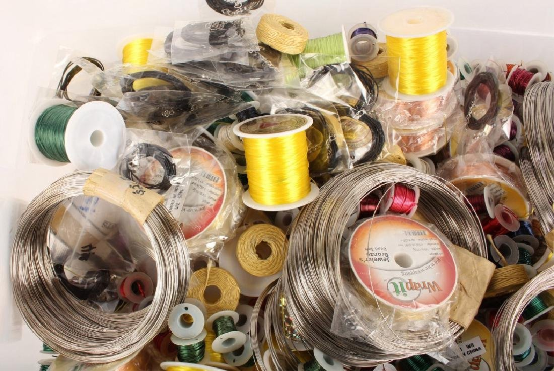 MIXED THREADS, WIRES & CORD FOR BEADING 17 LBS - 2