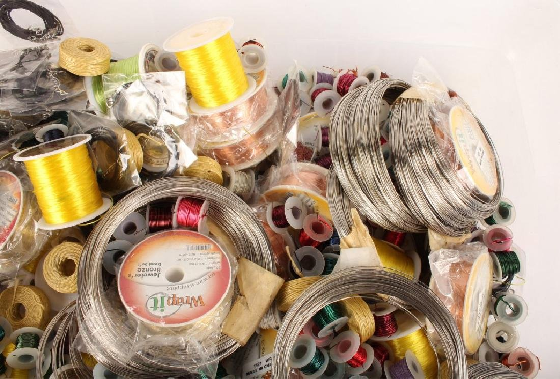 MIXED THREADS, WIRES & CORD FOR BEADING 17 LBS - 5