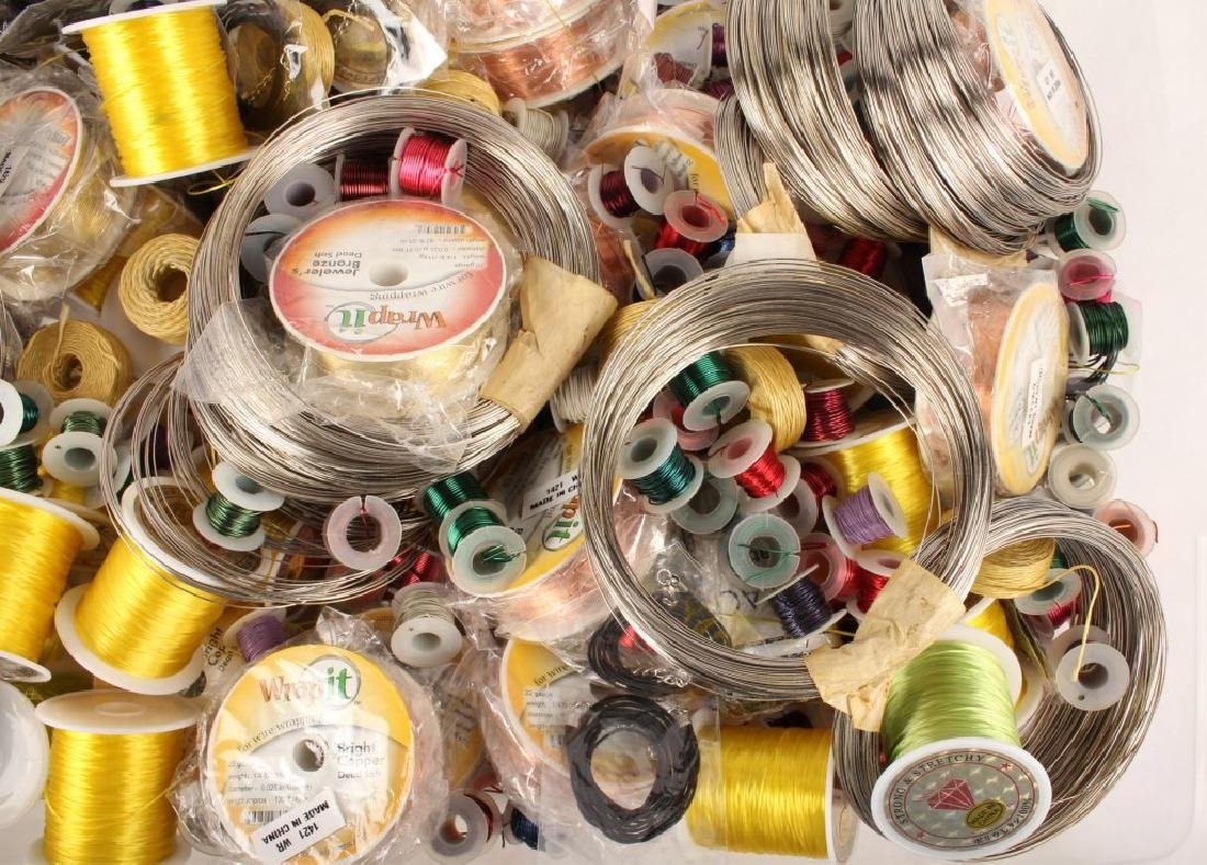 MIXED THREADS, WIRES & CORD FOR BEADING 17 LBS - 6