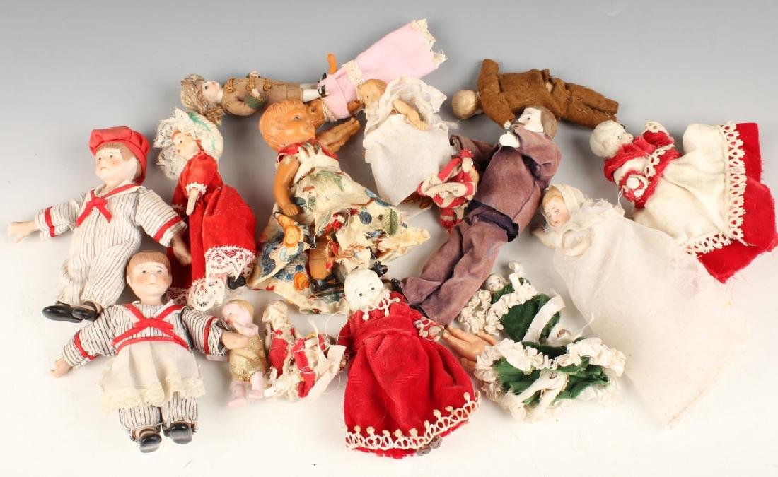 EARLY TO MID 20TH CENTURY PORCELAIN PLASTIC DOLLS