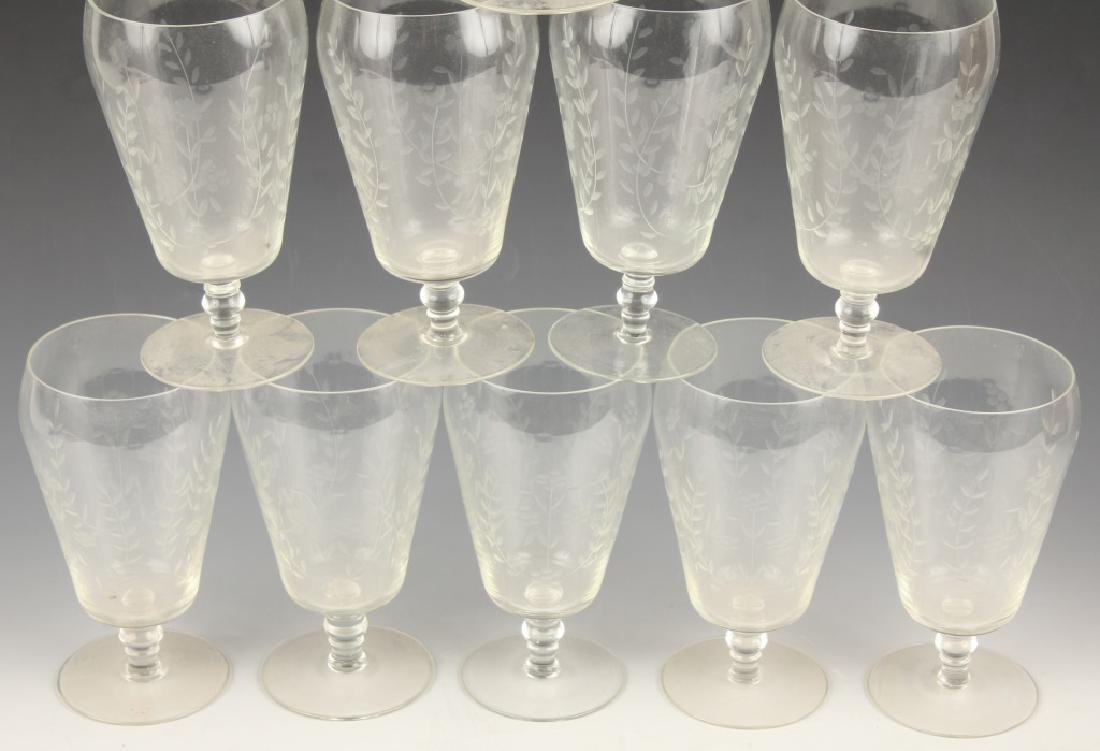10 CLEAR GLASS GOBLETS WITH CUT VINES AND FLOWERS - 3