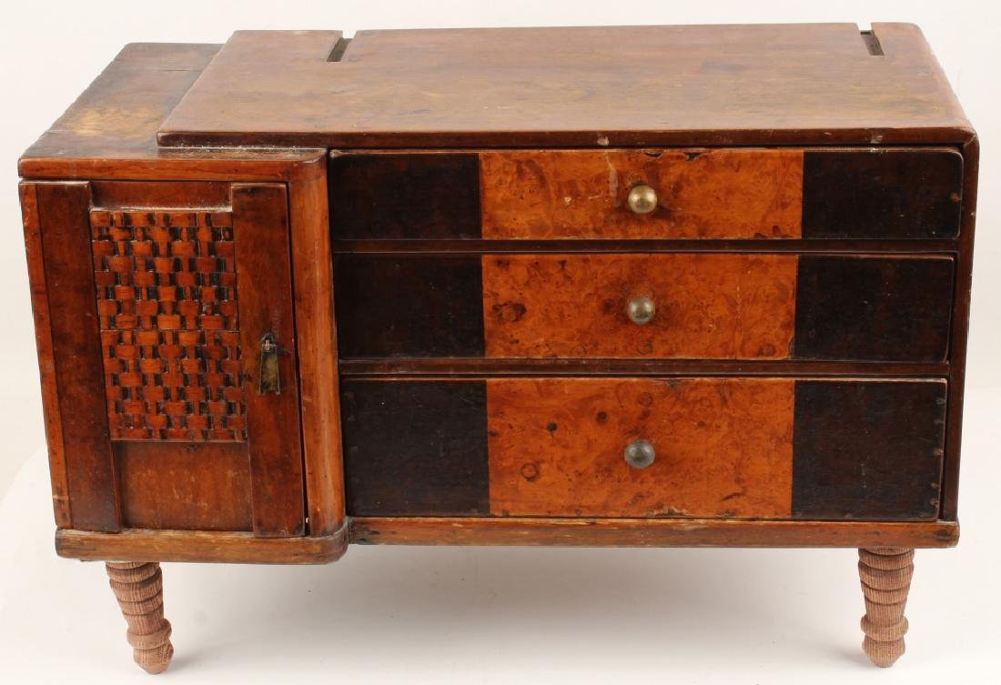 20TH CENTURY WOODEN FOOTED JEWELRY BOX