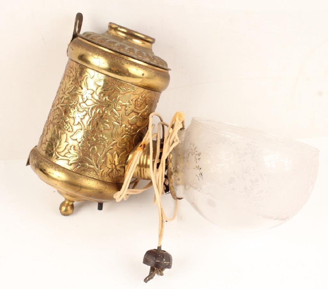 19TH CENTURY WALL MOUNTED SINGLE BURNER ANGLE LAMP