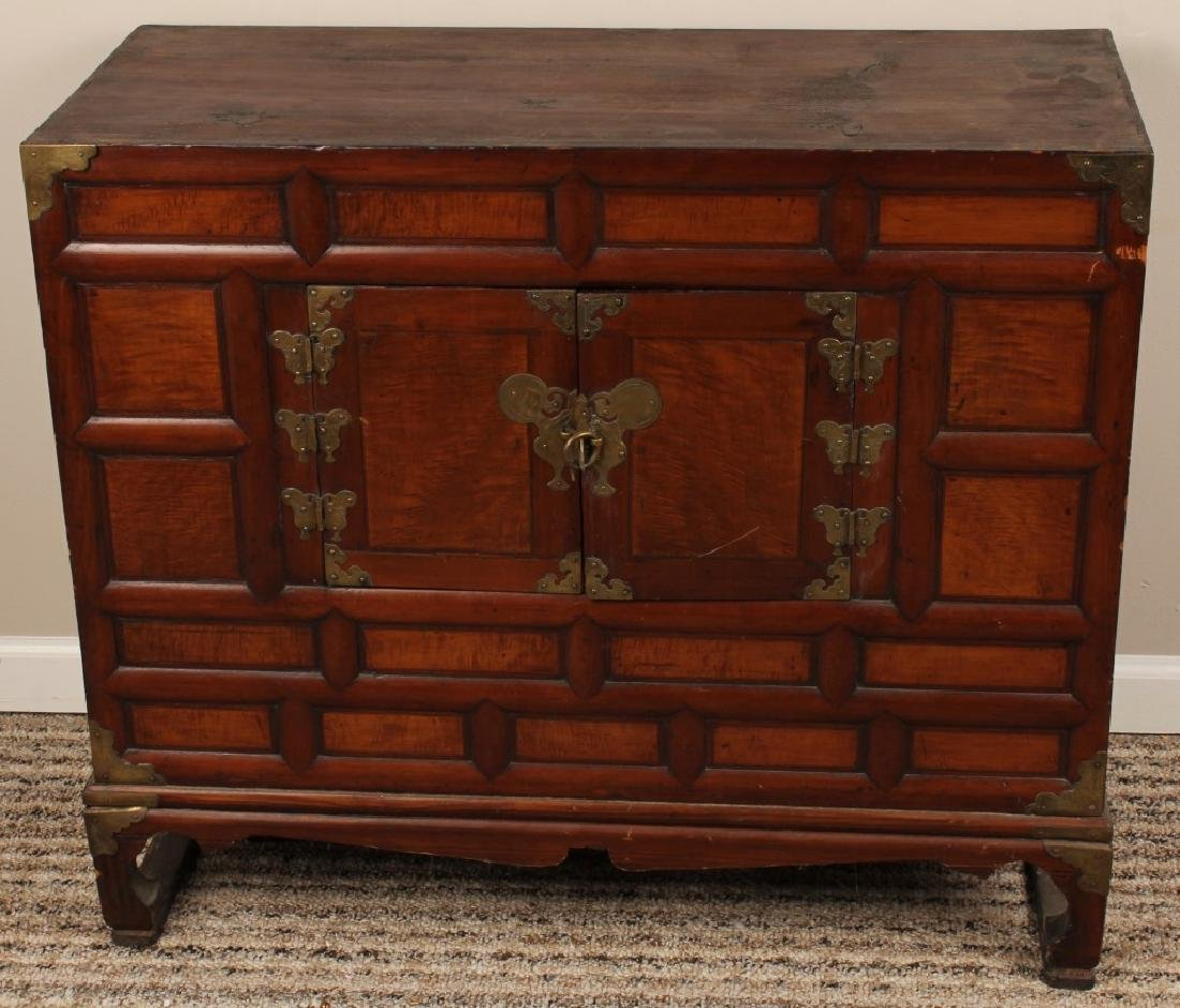 EARLY 20TH CENTURY KOREAN SCHOLARS CHEST