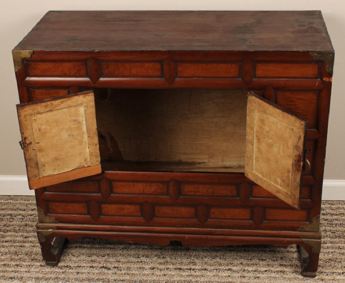EARLY 20TH CENTURY KOREAN SCHOLARS CHEST - 4