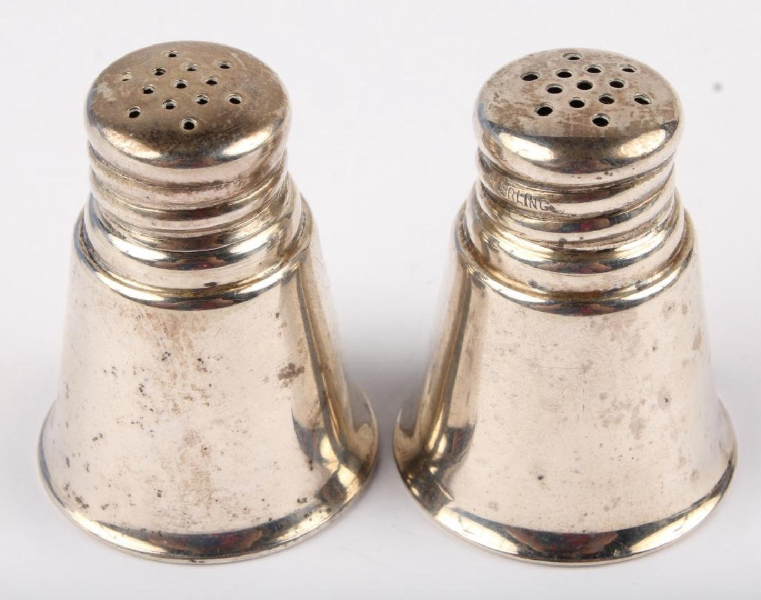 PAIR OF STERLING SILVER INTERNATIONAL S&P SHAKERS