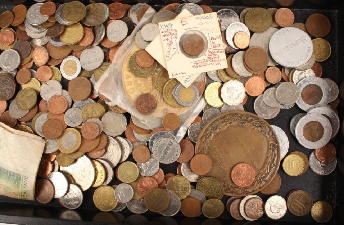LARGE MIXED LOT OF WORLD COINAGE - 3