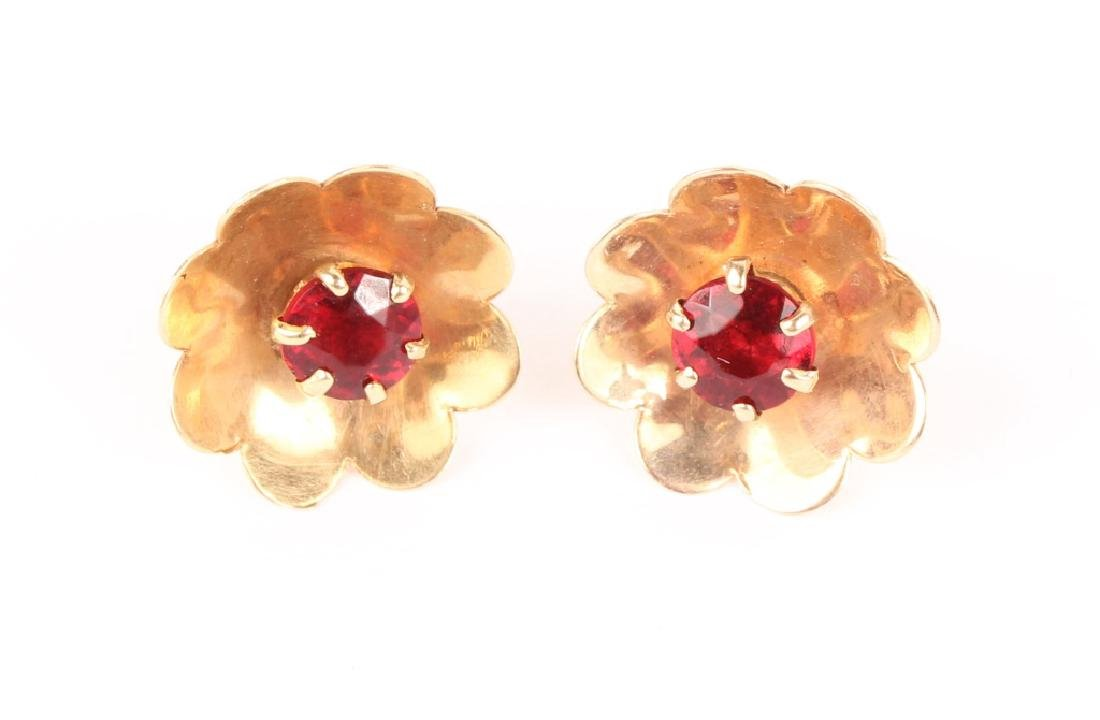 LADIES 14K YELLOW GOLD GARNET EARRINGS