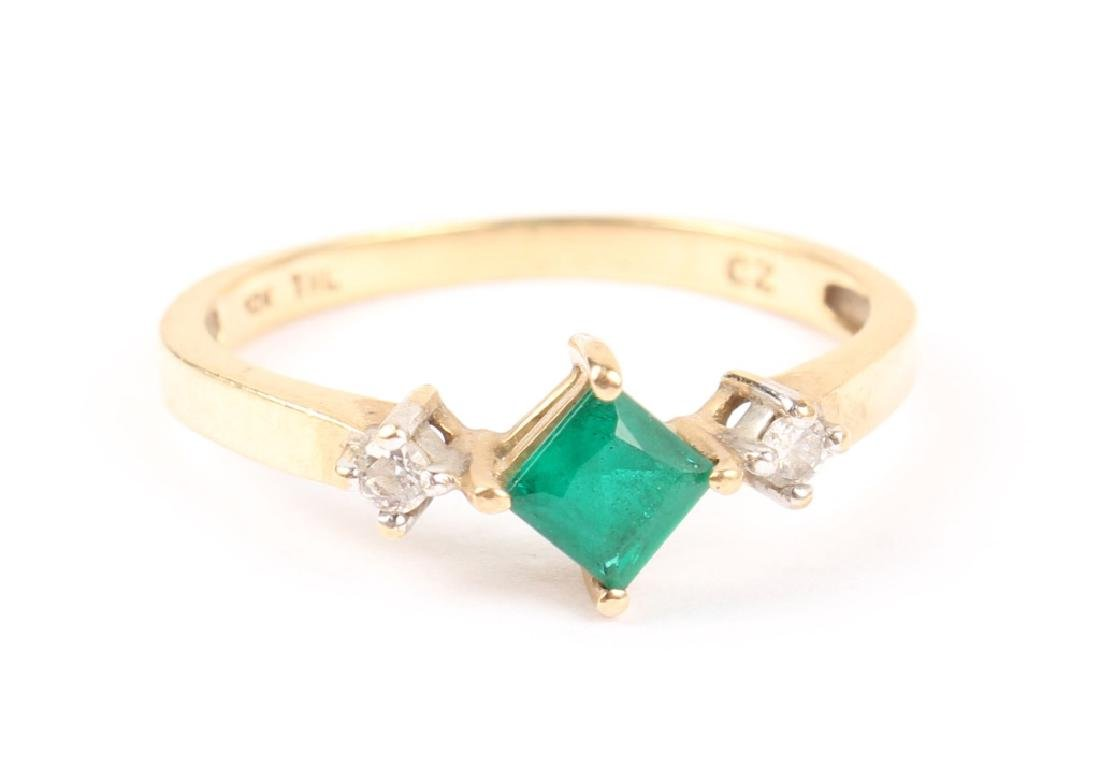 LADIES 10K YELLOW GOLD DIAMOND AND EMERALD RING