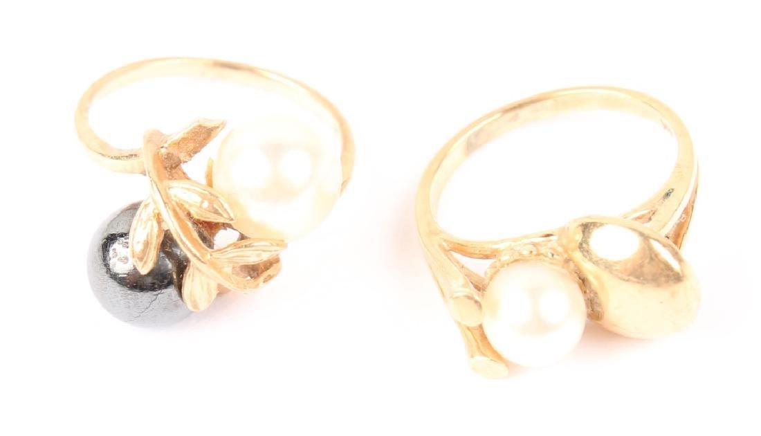 (2) LADIES 14K YELLOW GOLD PEARL RINGS