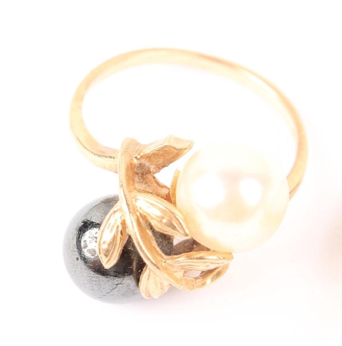 (2) LADIES 14K YELLOW GOLD PEARL RINGS - 2