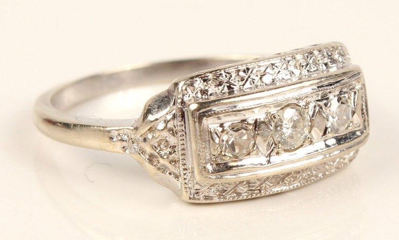 LADIES ANTIQUE PLATINUM DIAMOND FASHION RING