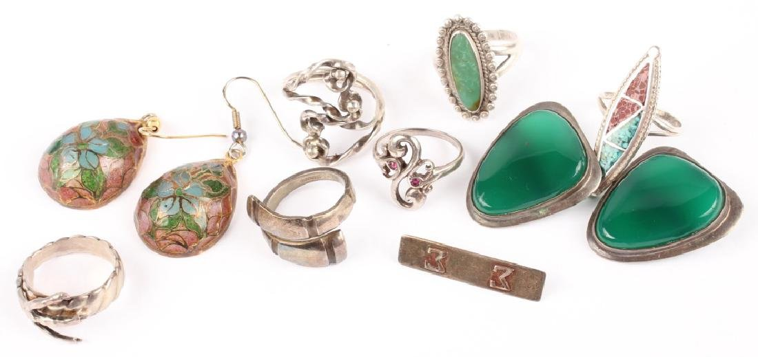 MIXED LOT OF LADIES STERLING SILVER JEWELRY