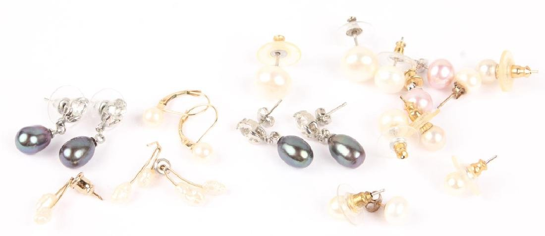 MIXED LOT OF LADIES PEARL EARRINGS