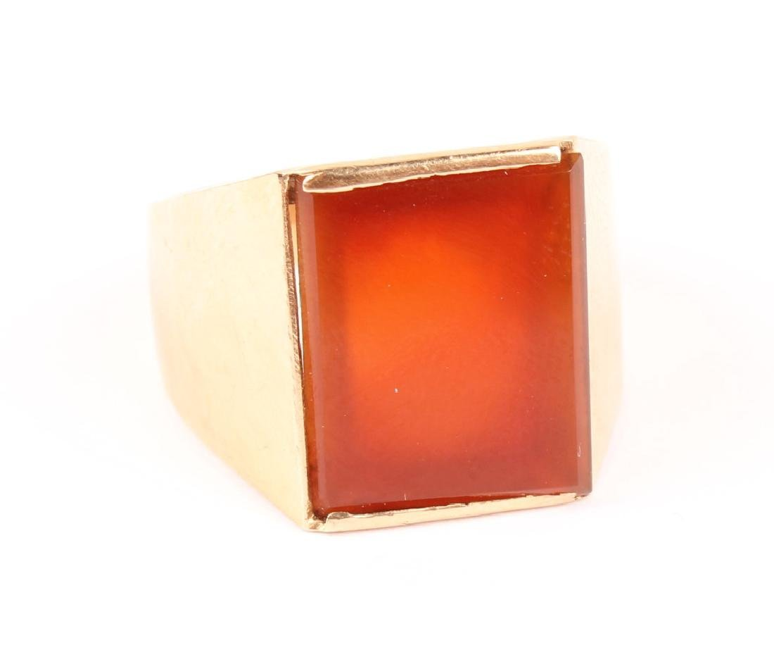 MENS 18K YELLOW GOLD CARNELIAN RING