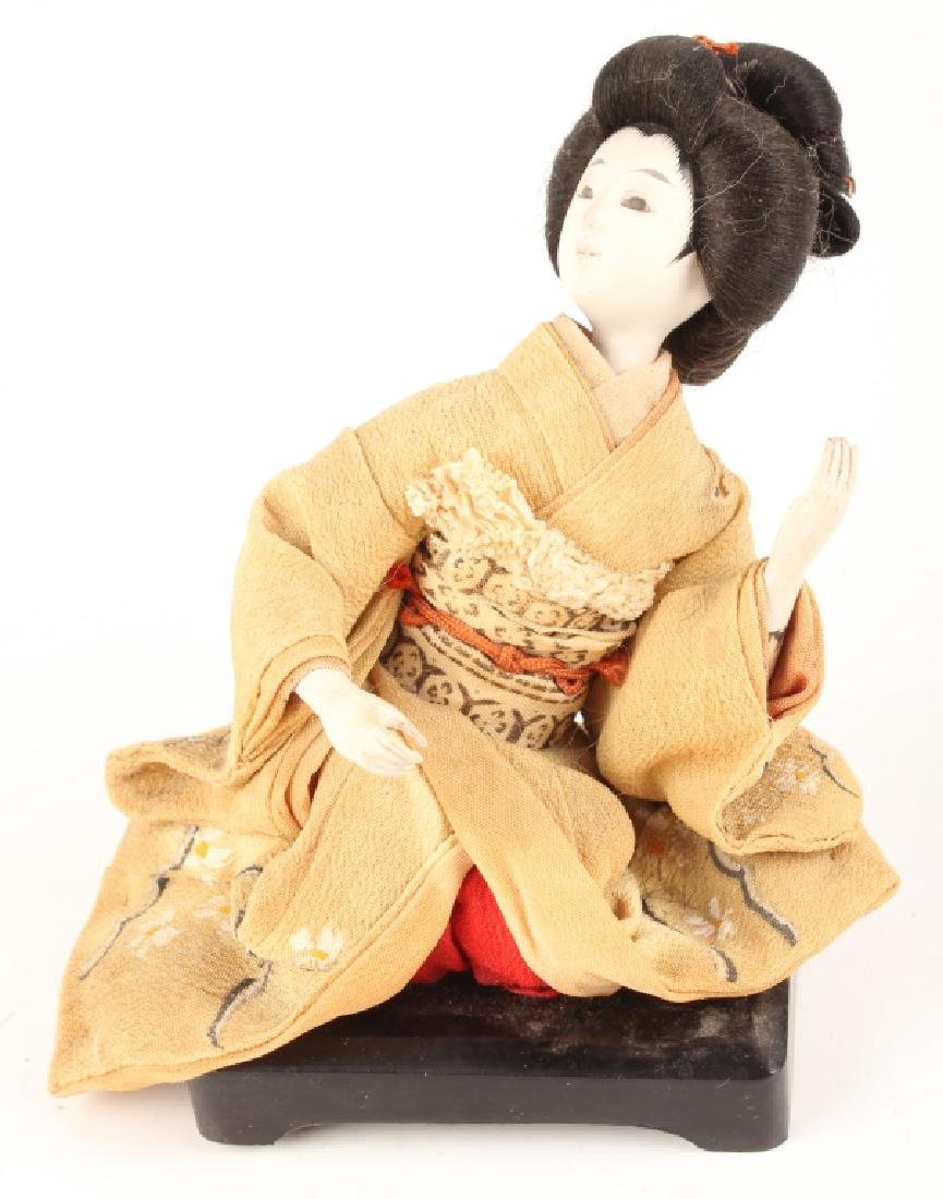 VINTAGE JAPANESE FEMALE DOLL SEATED WOOD AND CLOTH