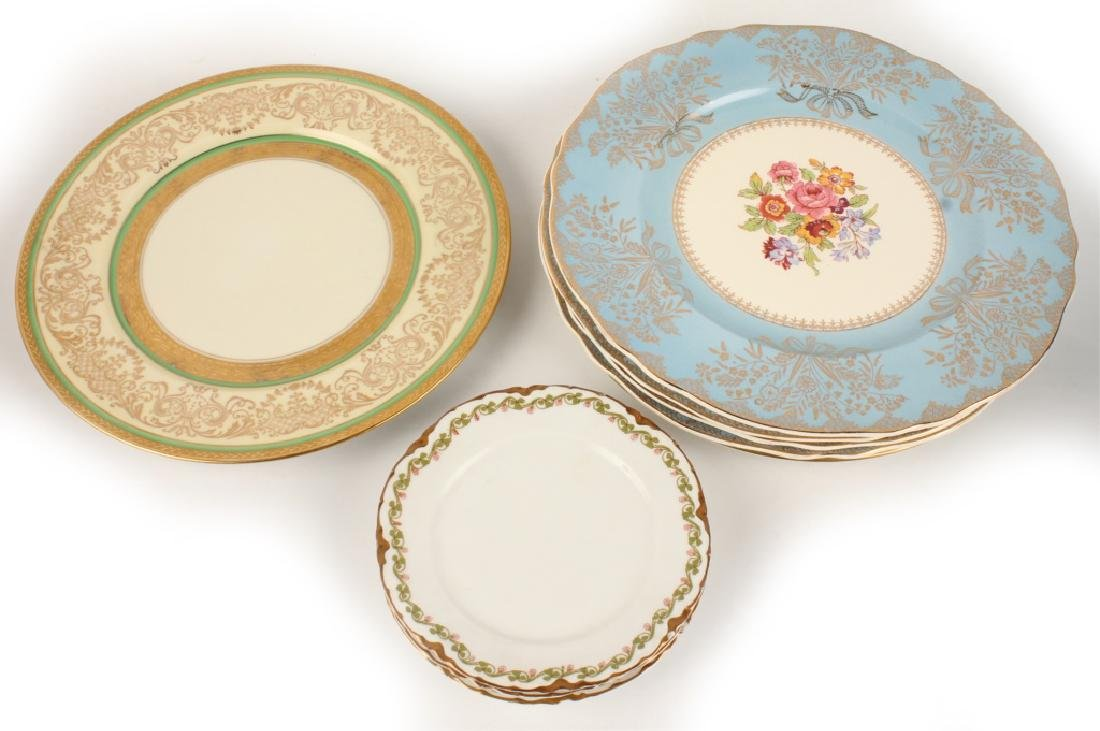 EIGHT PIECES OF ASSORTED CHINA