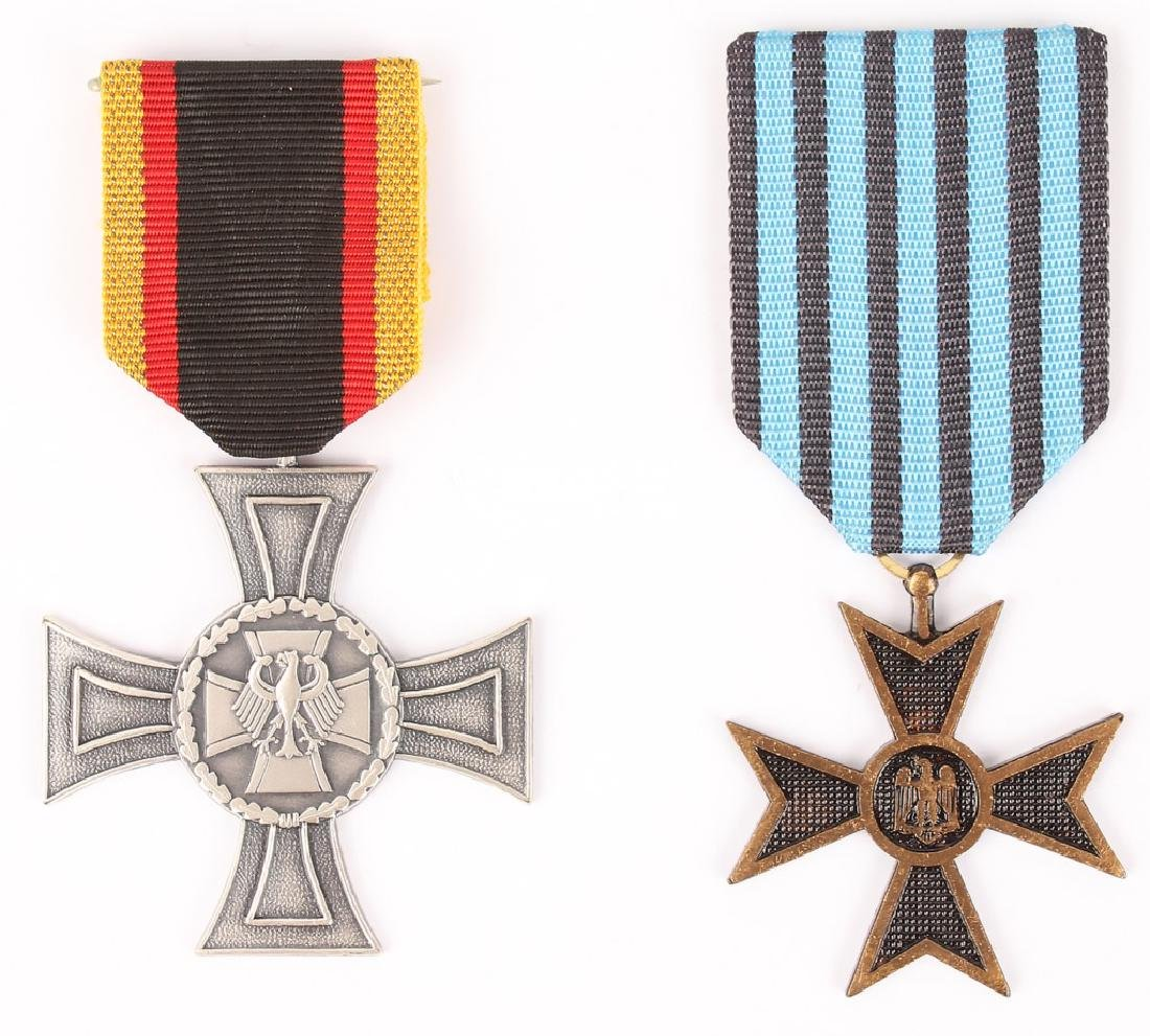 WWI GERMAN CROSS MEDALS - LOT OF 2