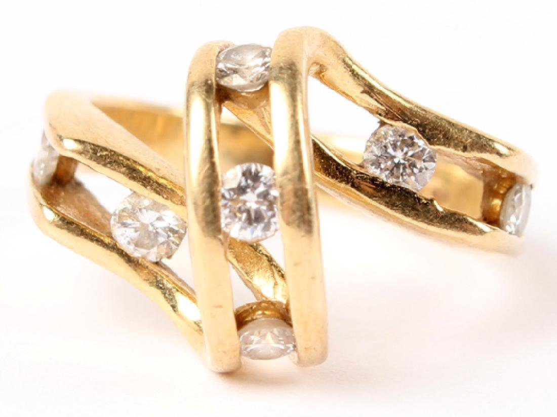 LADIES 14K YELLOW GOLD DIAMOND RING