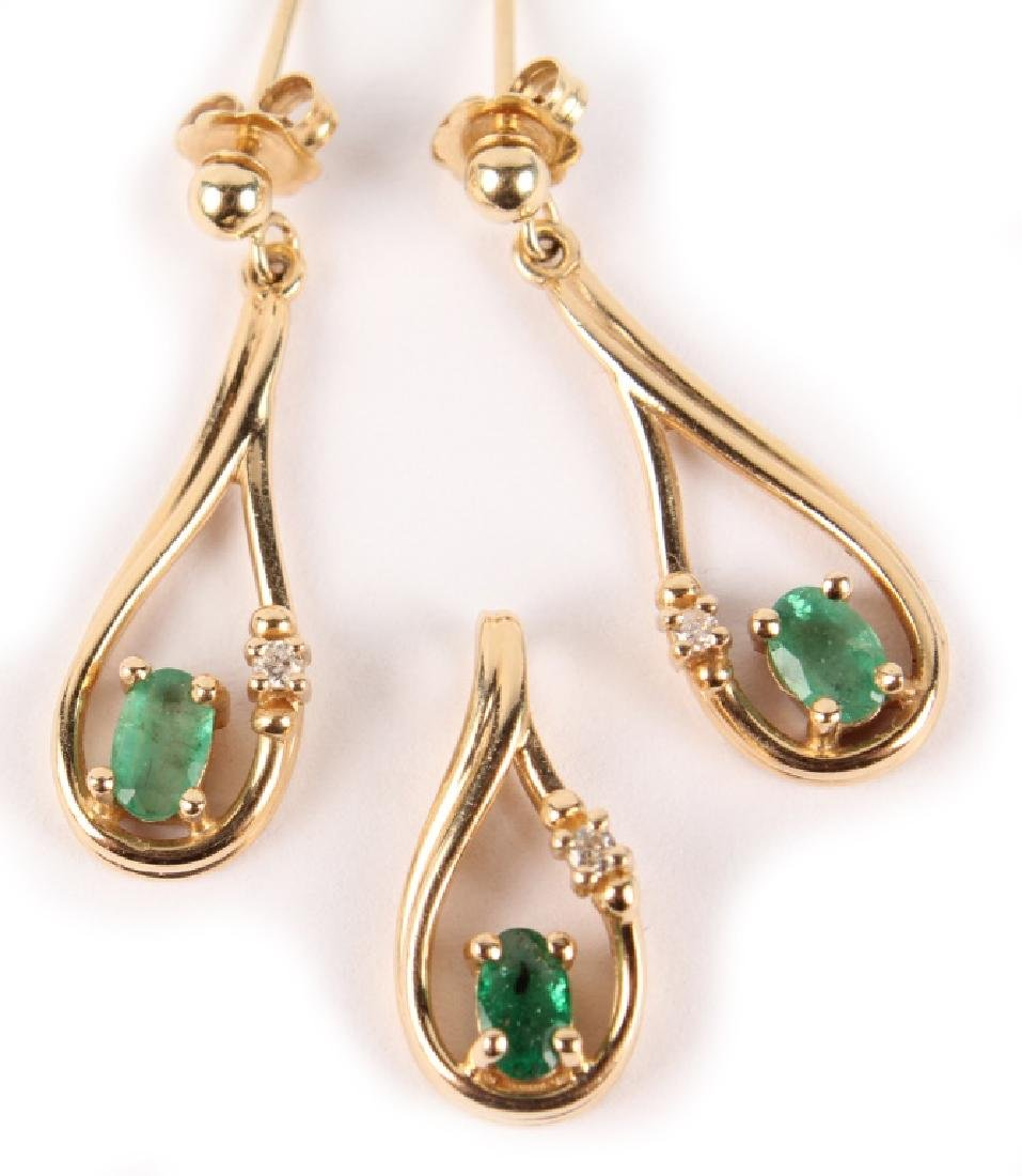 14K YELLOW GOLD EMERALD PENDANT & EARRINGS - 3