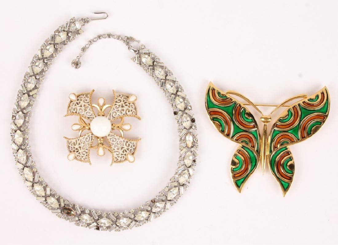 THREE PIECE JEWELRY WITH BROOCHES & A NECKLACE