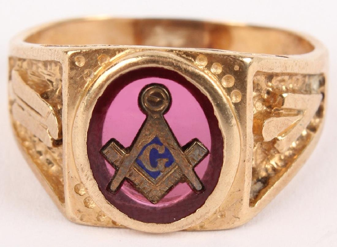 MENS 10K YELLOW GOLD MASONIC RING