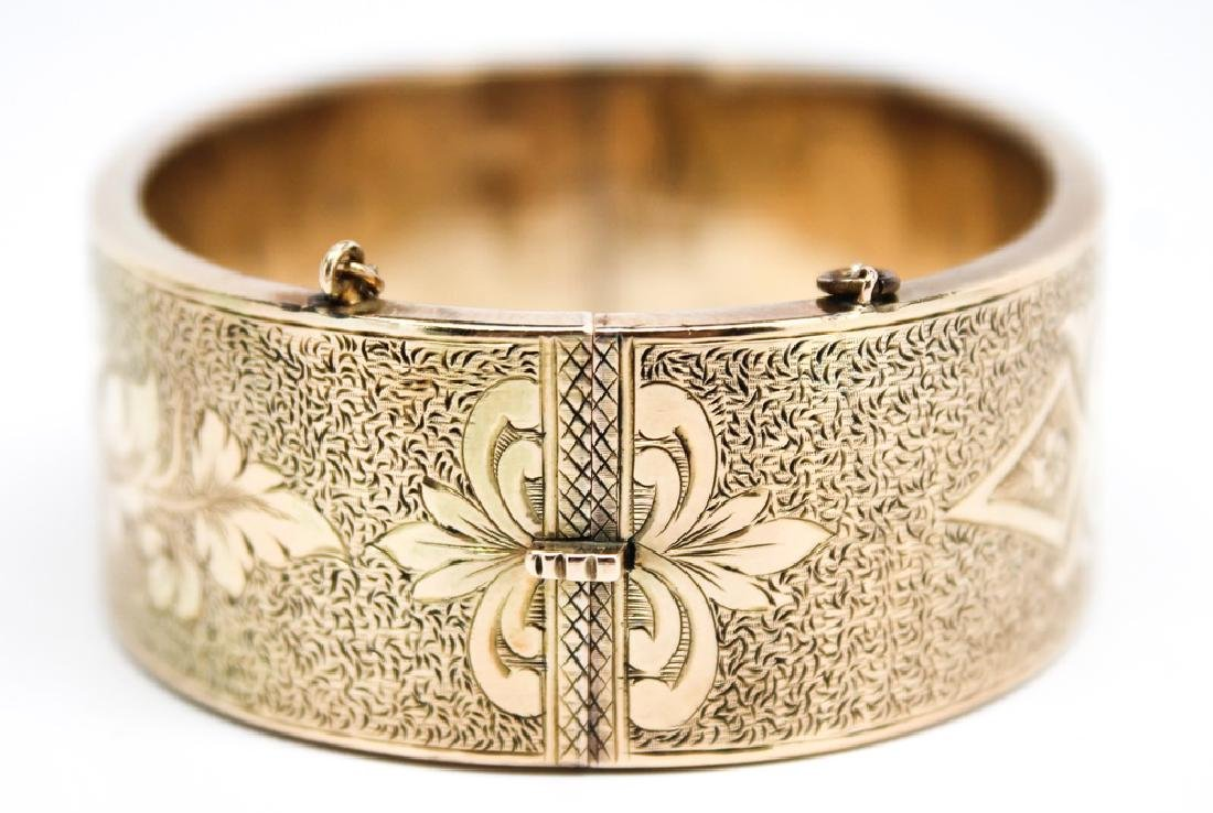 LADIES 14K YELLOW GOLD VICTORIAN ETCHED BANGLE