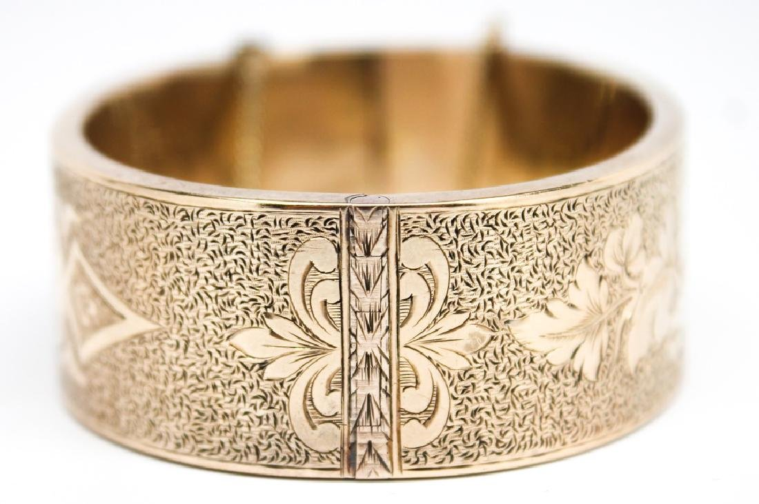 LADIES 14K YELLOW GOLD VICTORIAN ETCHED BANGLE - 2