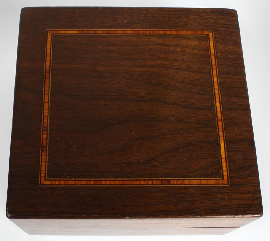 GAMING CHIPS WITHIN WOOD INLAY BOX - 4