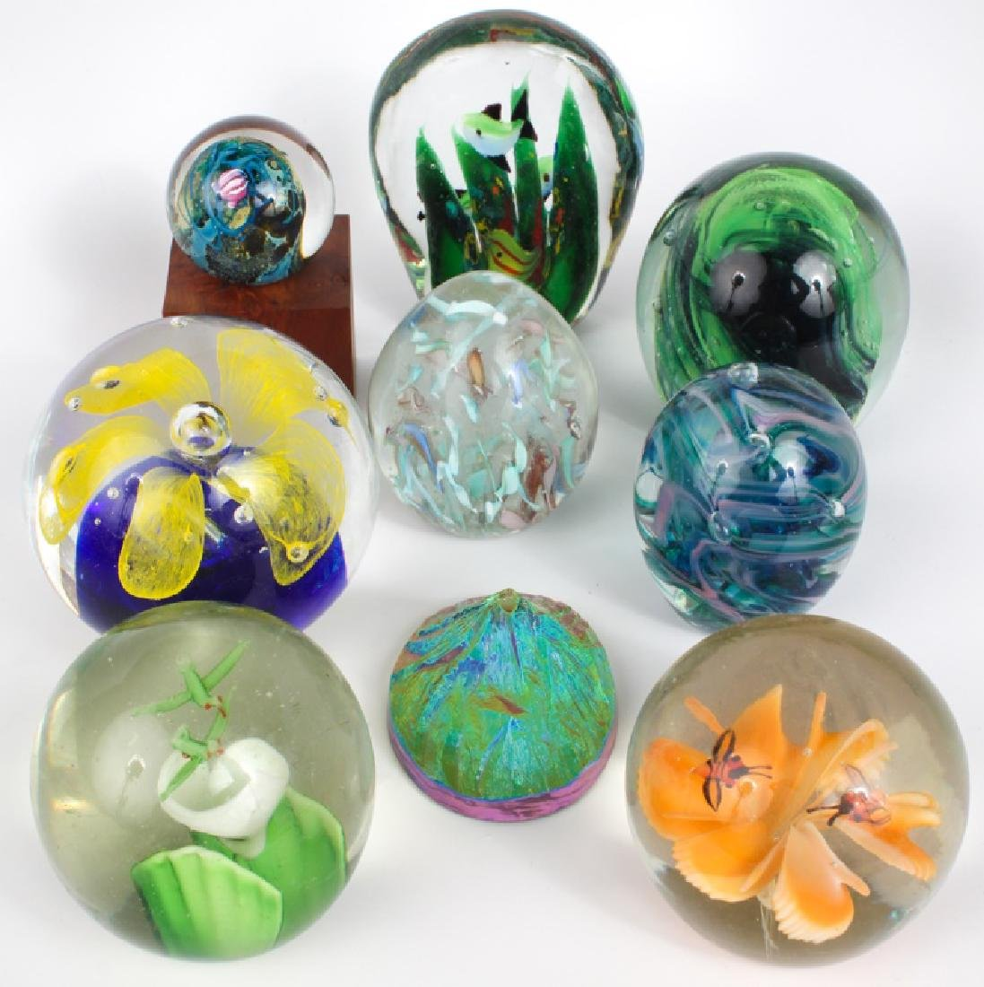 DECORATIVE GLASS PAPERWEIGHTS - LOT OF 6