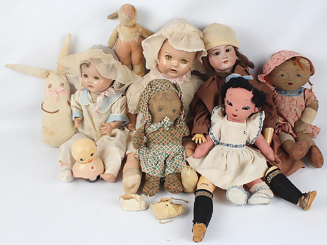 19TH & 20TH C. DOLLS & STUFFED ANIMALS - MIXED LOT