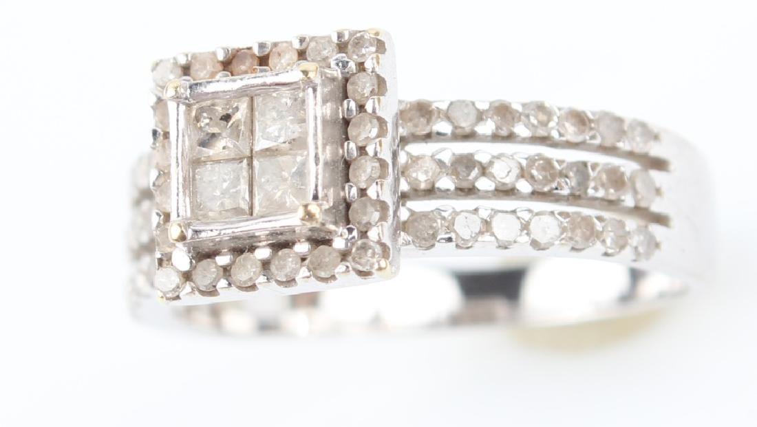 10K WHITE GOLD DIAMOND CLUSTER RING - 2