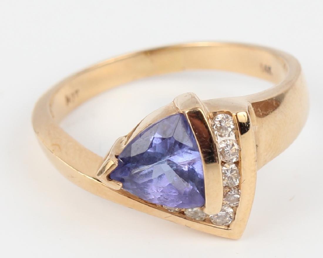 14K YELLOW GOLD TANZANITE & DIAMOND RING