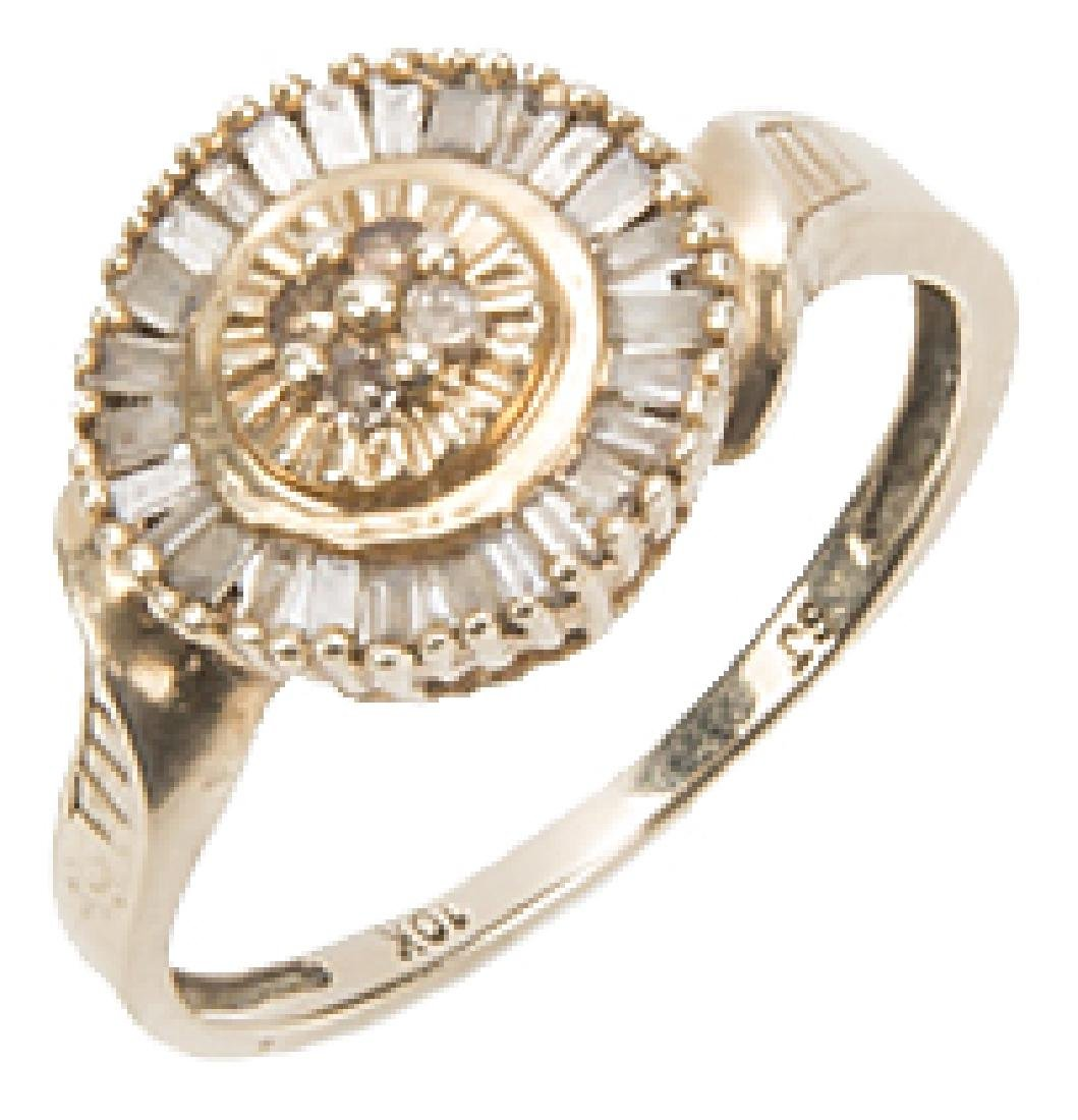 LADIES 10K YELLOW GOLD CHAMPAGNE DIAMOND RING