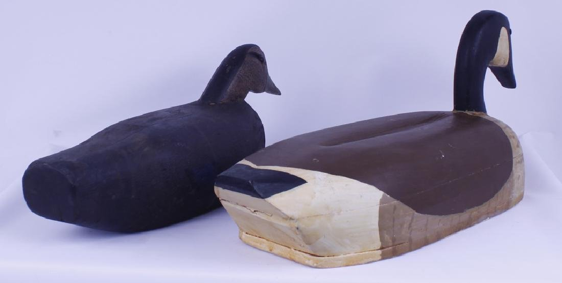WOODEN DUCK DECOYS CANADIAN GOOSE DRAKE LOT OF 2 - 2