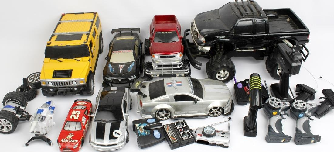 ASSORTED TOY REMOTE CONTROL CARS