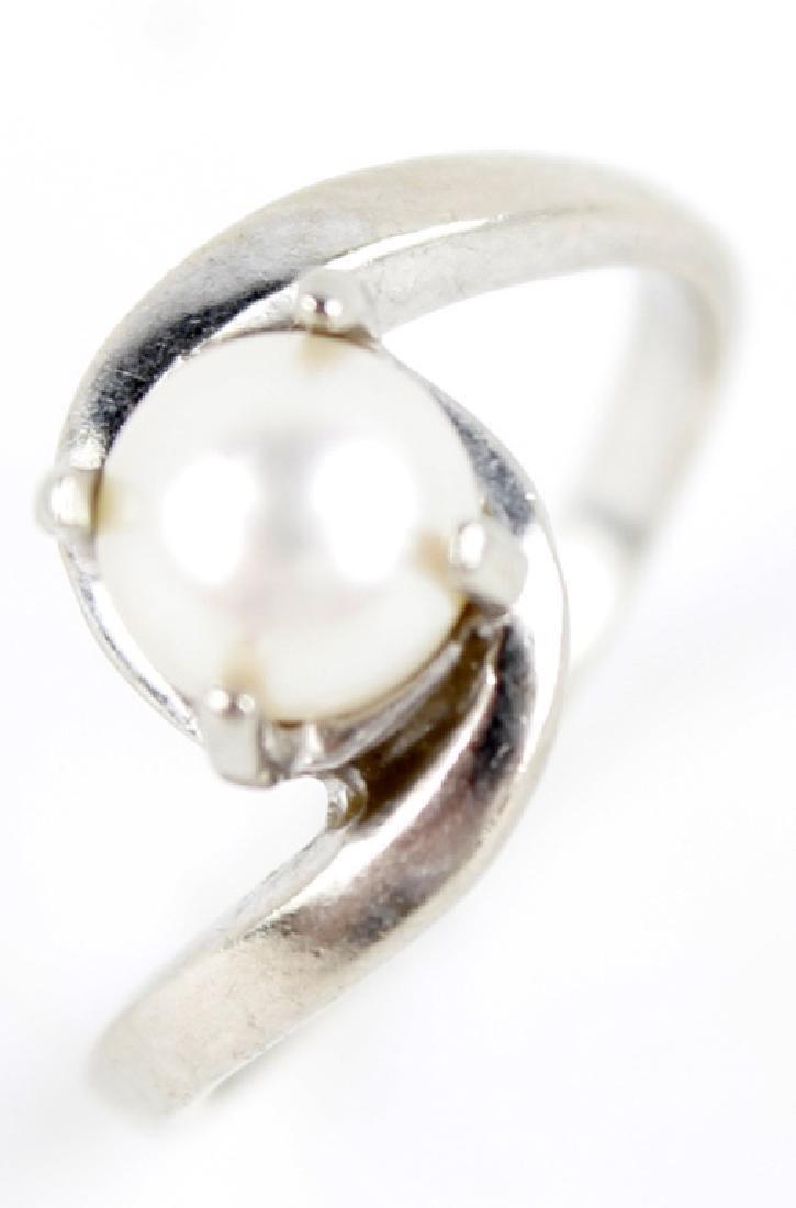 14K WHITE GOLD PEARL LADIES FASHION RING