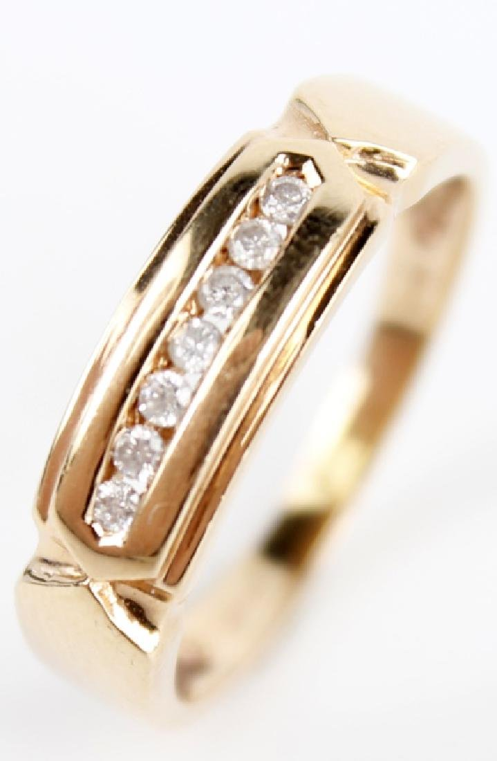 14K YELLOW GOLD LADIES DIAMOND RING