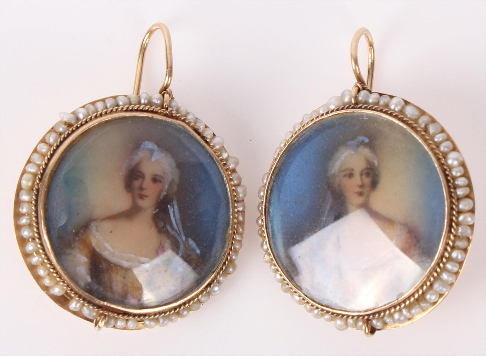 LADIES 14K GOLD PEARL PAINTED PORTRAIT EARRINGS
