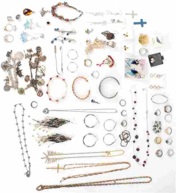 COSTUME JEWELRY LARGE MIXED LOT RING PINS BRACELET