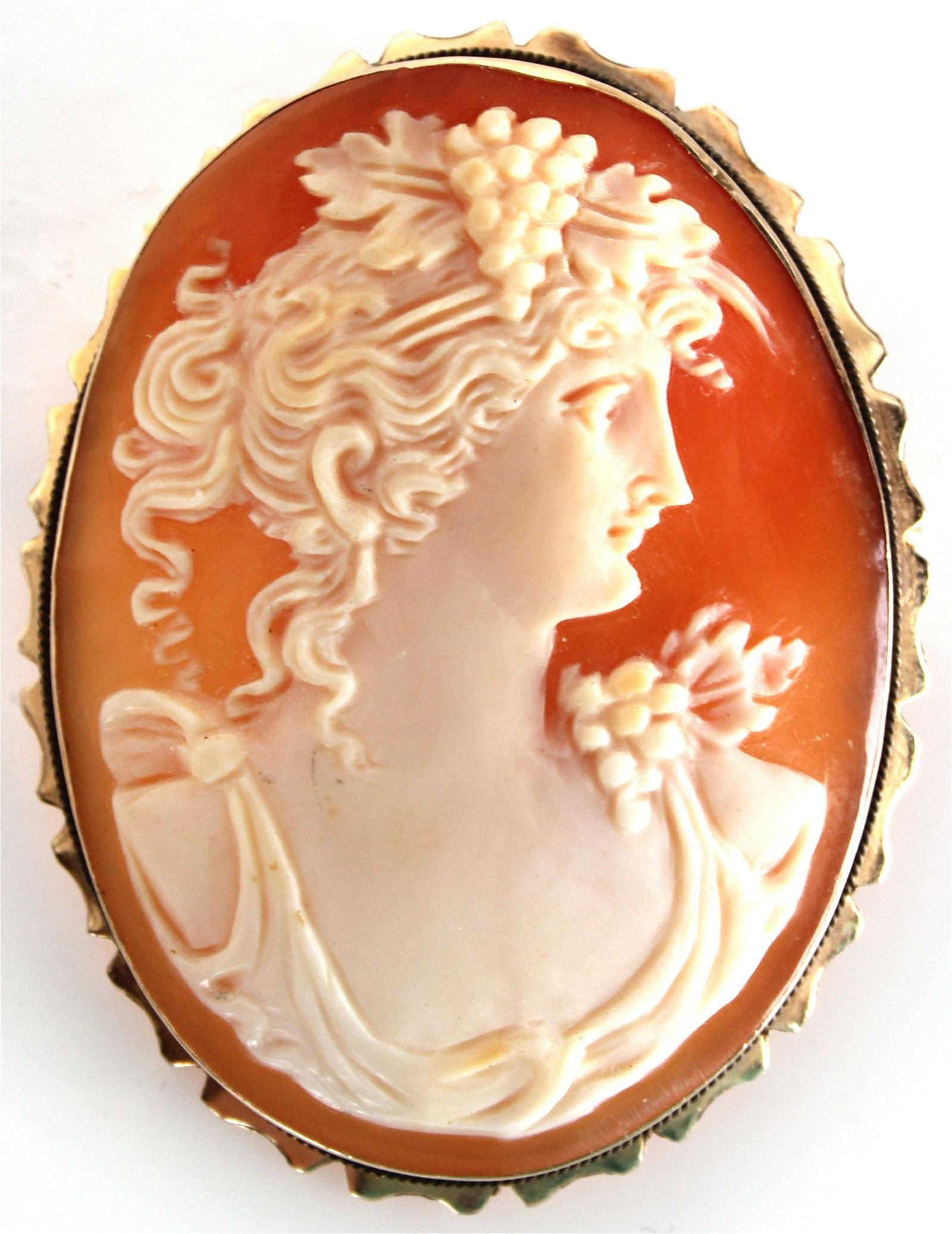 14K YELLOW GOLD VINTAGE CAMEO BROOCH/ PENDANT