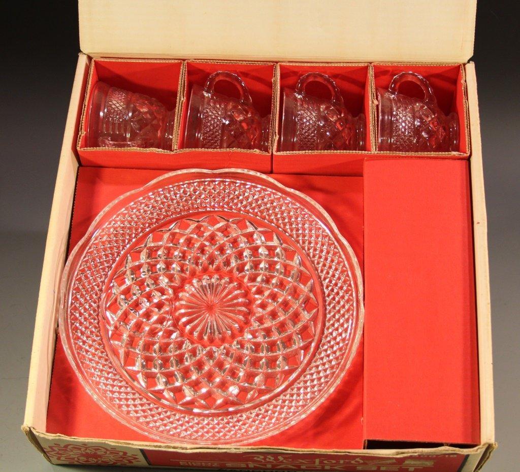 ANCHOR HOCKING WEXFORD 8 PIECE SNACK SET IN BOX - 3