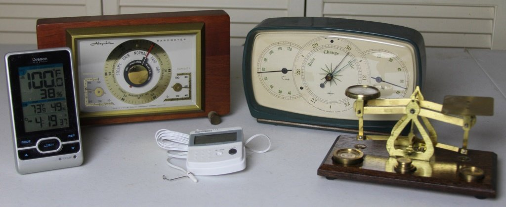 LOT OF VINTAGE WEATHER STATIONS & SCALE