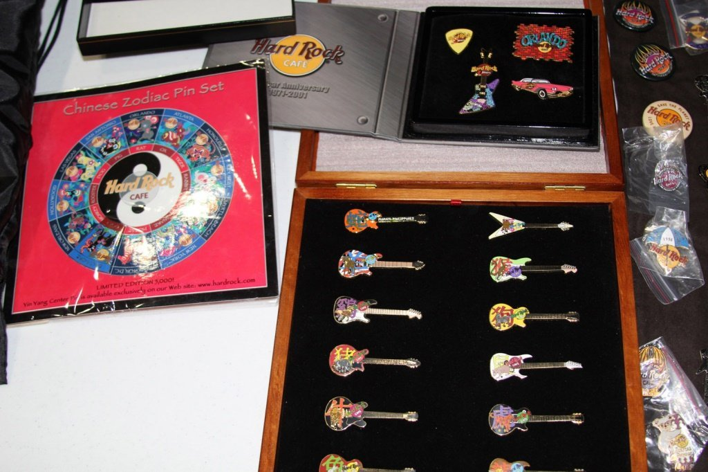 MASSIVE COLLECTION HARD ROCK CAFE PINS - 5