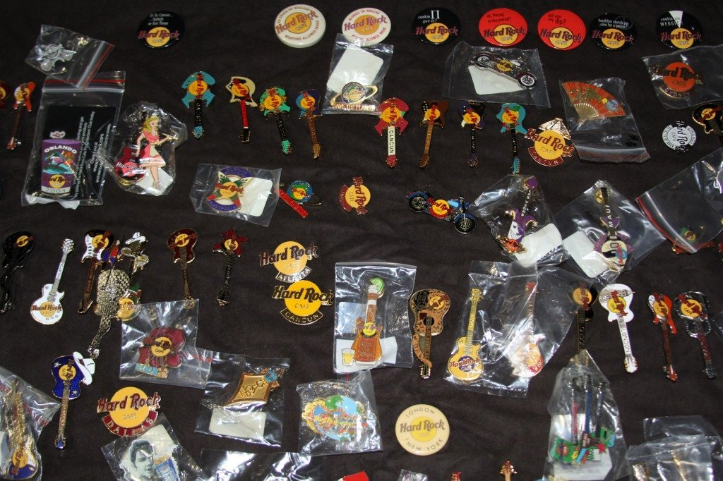 MASSIVE COLLECTION HARD ROCK CAFE PINS - 7