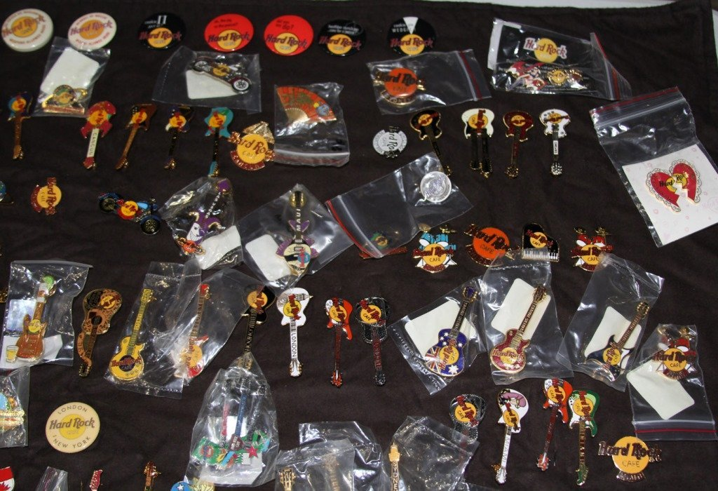 MASSIVE COLLECTION HARD ROCK CAFE PINS - 8