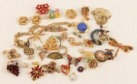 Mixed Lot Of Ladies Gold Tone Costume Jewelry